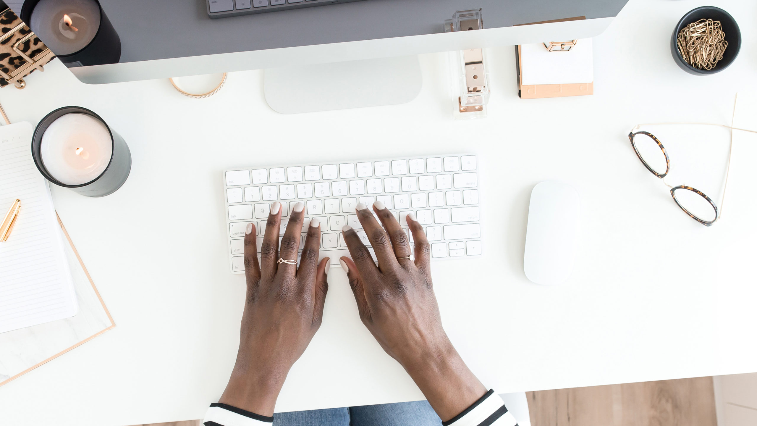 hands typing at computer | One mom's ode to groupon during the holidays